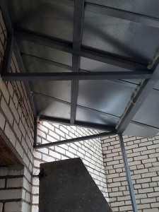 Установка крыши над балконами и лоджиями; komfortbalkon.ru