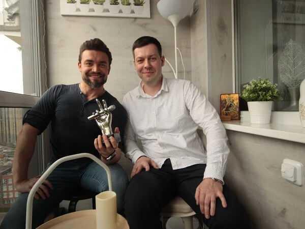 Балкон под ключ для победителя шоу Голос на Первом канале Петра Захарова