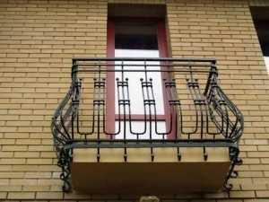 Остекление от пола до потолка. Французский балкон.Престиж балкон. komfortbalkon.ru